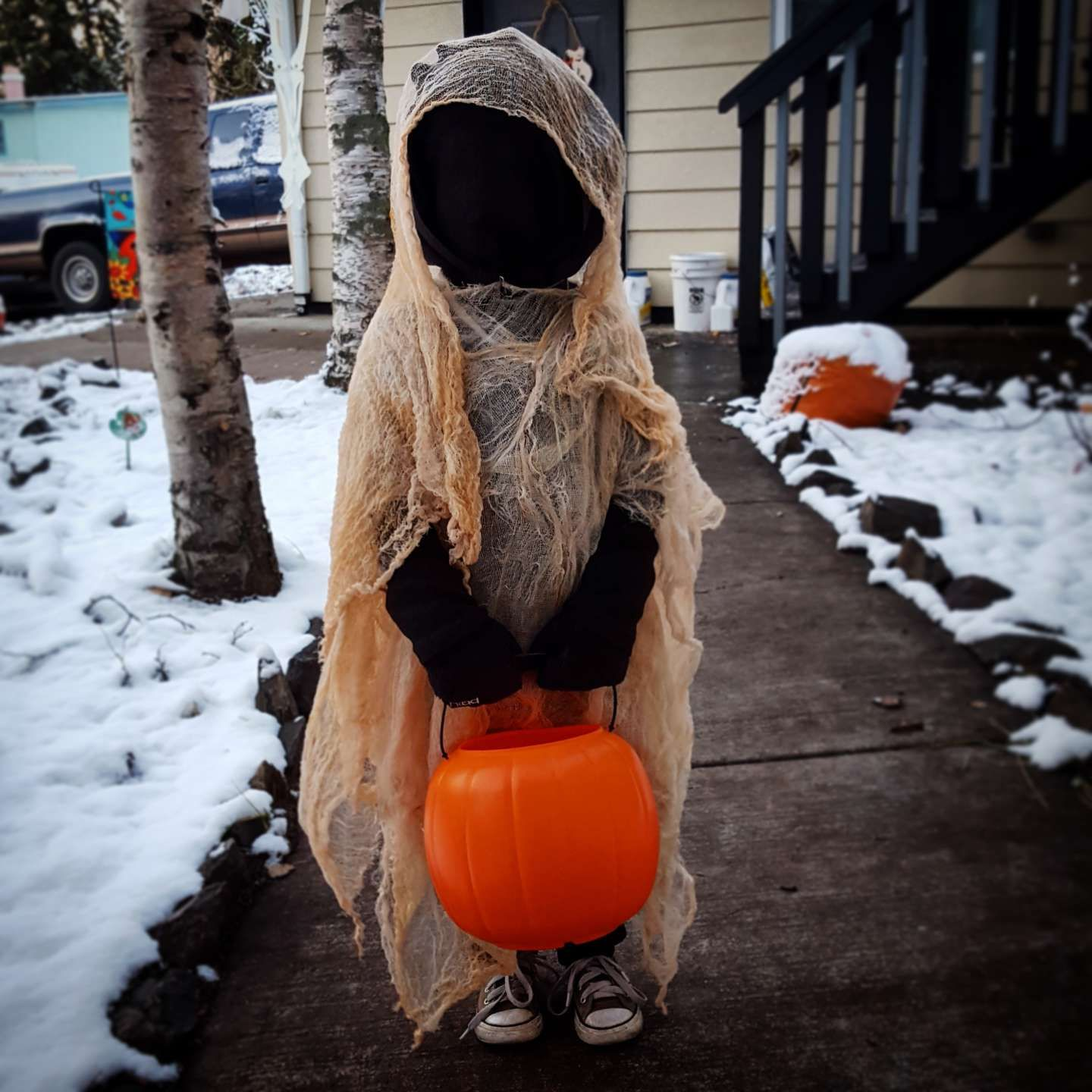 DIY Cheesecloth Ghost Costume by Scary kids halloween