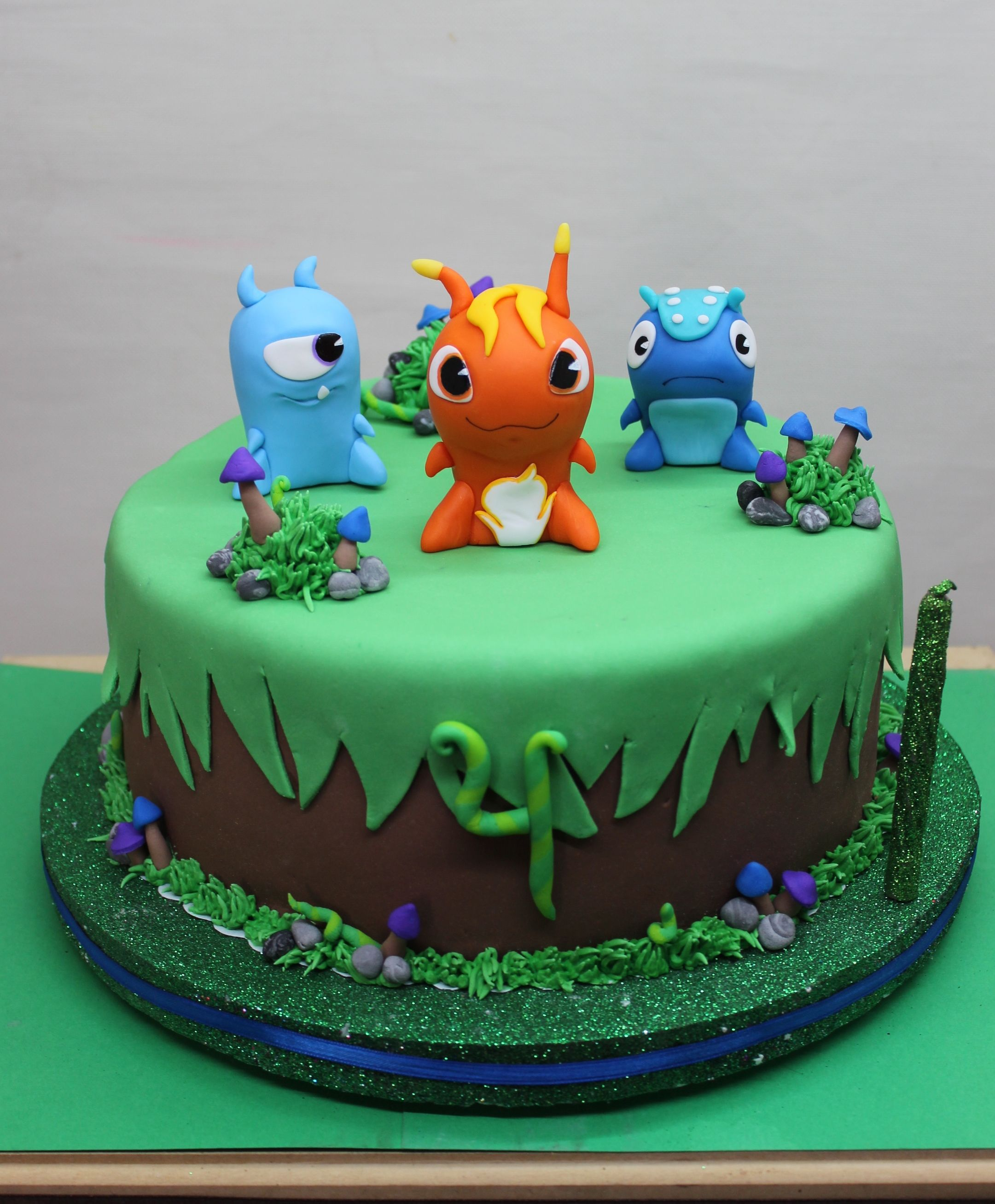 Slugterra cake by violeta glace birthdays cakes for Glace decoration