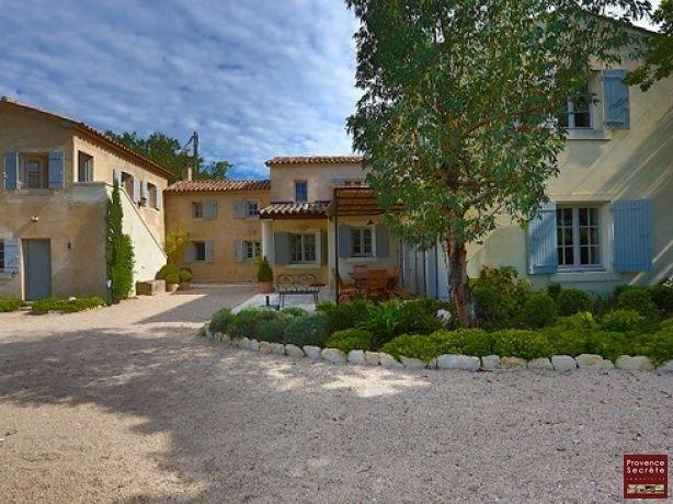 Regardez ce logement incroyable sur Airbnb  Luxueuse bastide - location vacances provence avec piscine
