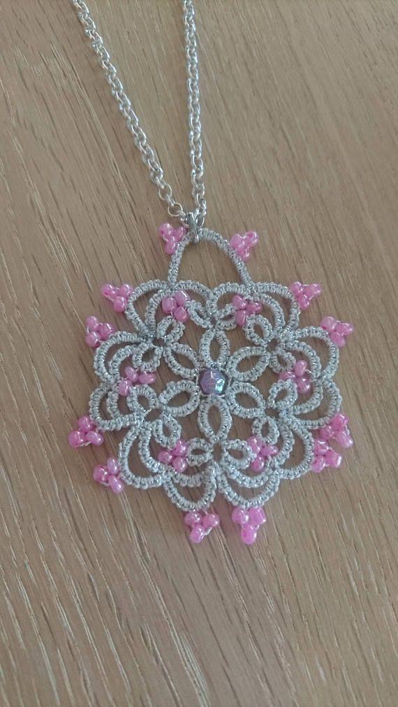 Tatted collar con perlas de cristal rosa   cruz frivolite ...