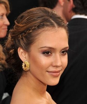 Jessica Alba Braided Updo Now Leave The Middle Part Follow Its Way And Rather Crisscrossthe
