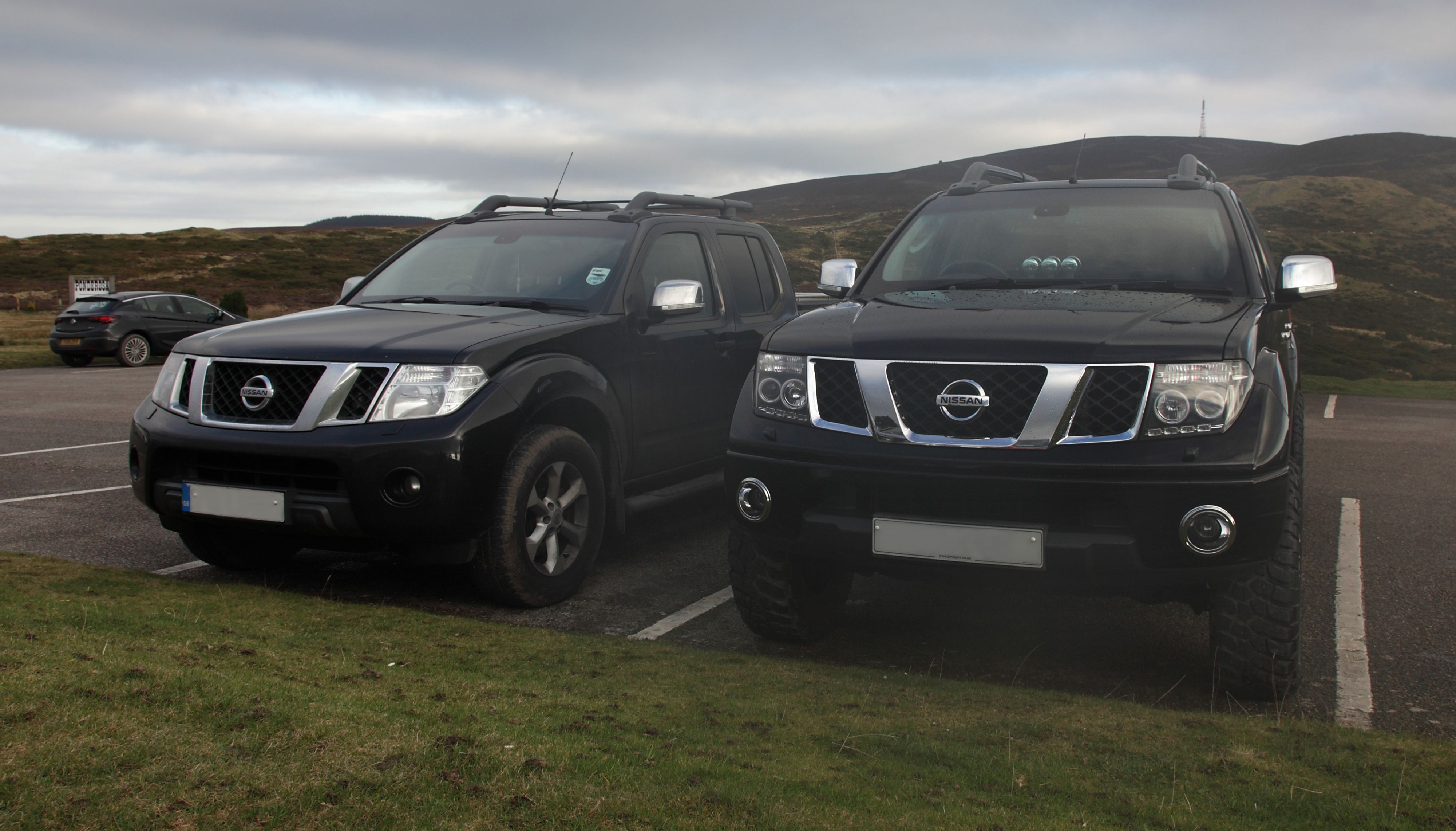 Lifted Nissan Navara D40, Nissan Frontier Comparison with