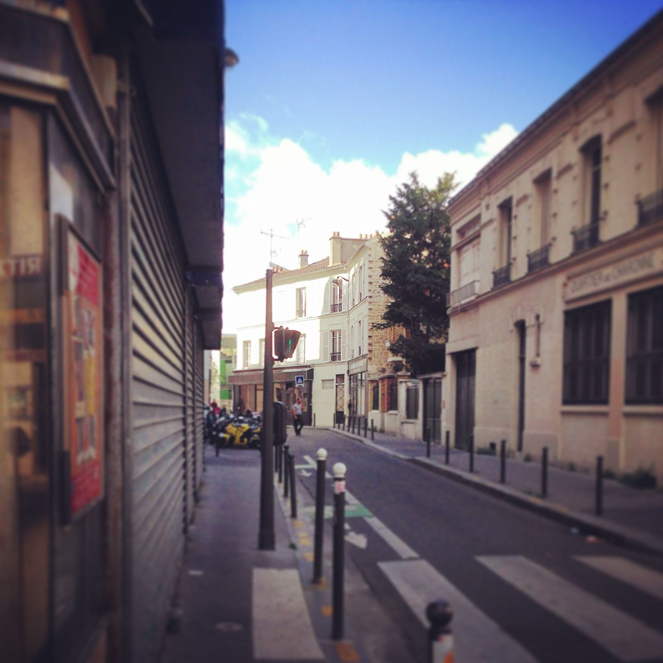 Small alley in Paris