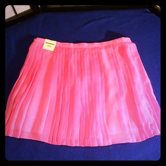New hot pink skirt New Aeropostale  Skirts