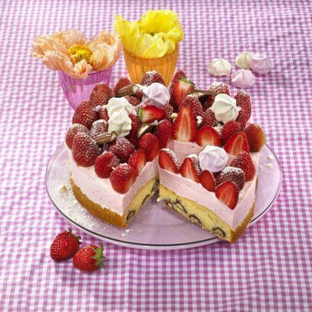 Erdbeer-Yogurette-Torte Rezept    LECKER