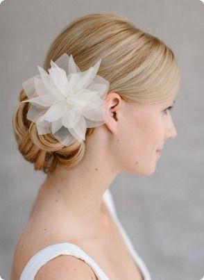 Brautschmuck haare  Brautschmuck Hochzeit, Seidenblüte Haar, Haarclip Violetta ...
