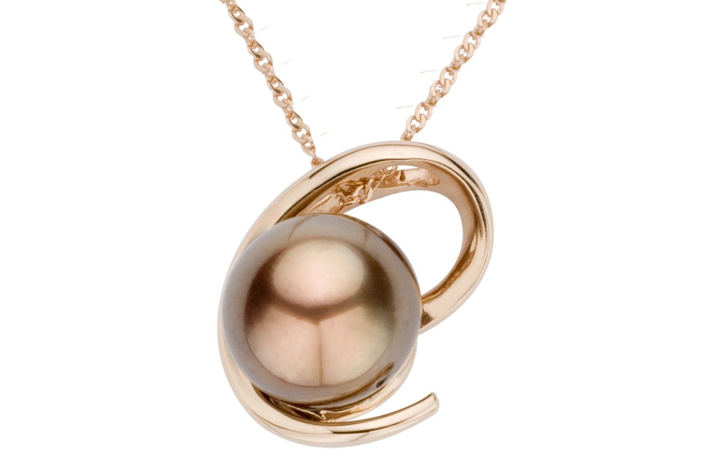 This simply elegant pendant set in k pink gold shows off the
