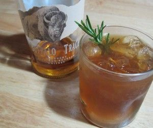 Summertime Cocktails: Bourbon Brown Sugar Lemonade | Whisked Foodie | Whisk up something delicious.
