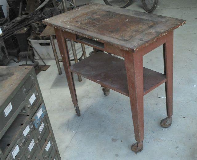 le vide grenier de didou la brocante: établi table d' atelier tôle