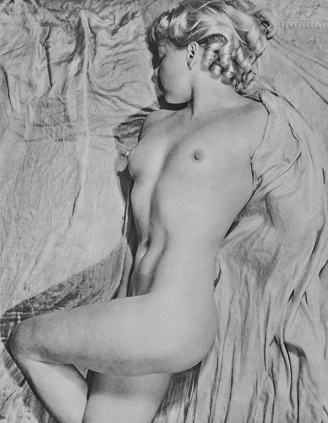 """Nu"", Paris 1934  Photographer: Erwin Blumenfeld, Paris"