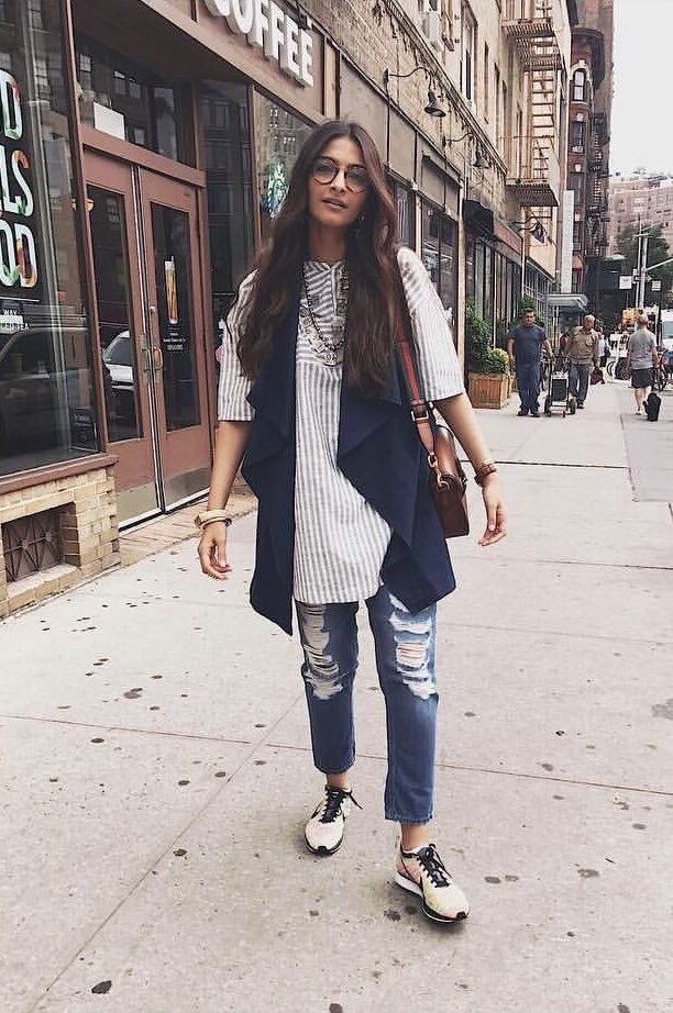 SONAM KAPOOR » СОНАМ КАПУР | Casual indian fashion, Casual weekend style,  Office wear women