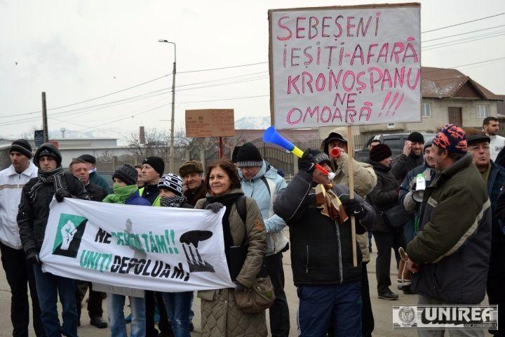 'A cincea săptămână de proteste la Sebeș împotriva POLUĂRII  http://www.presalibera.net/a-cincea-saptamana-de-proteste-la-sebes-impotriva-poluarii_1819849.html