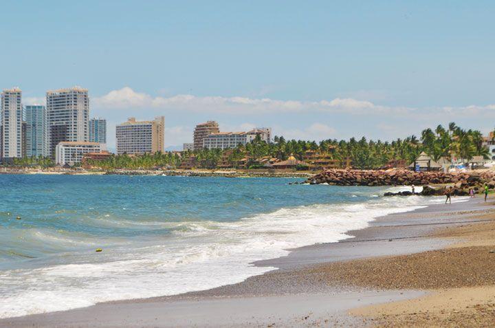 Playa Camarones, a Beautiful Beach to Enjoy in Puerto Vallarta. | Puerto  vallarta, Beautiful beaches, Vallarta