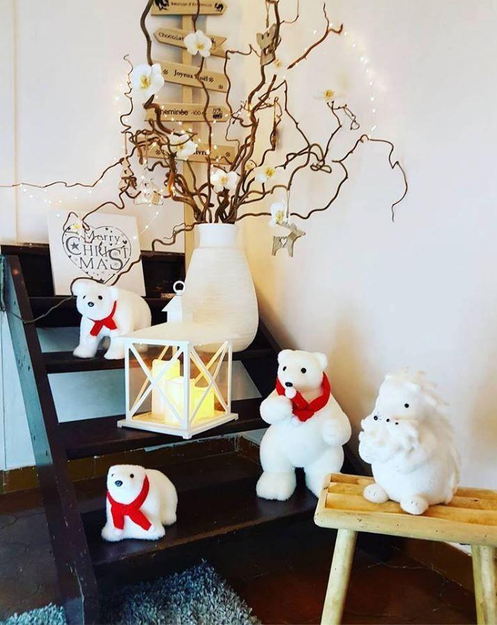 La famille 'Pas parfaite et alors ?' a adopté une famille de petits #ours #polaires #déco #babou ! Sympa non ?