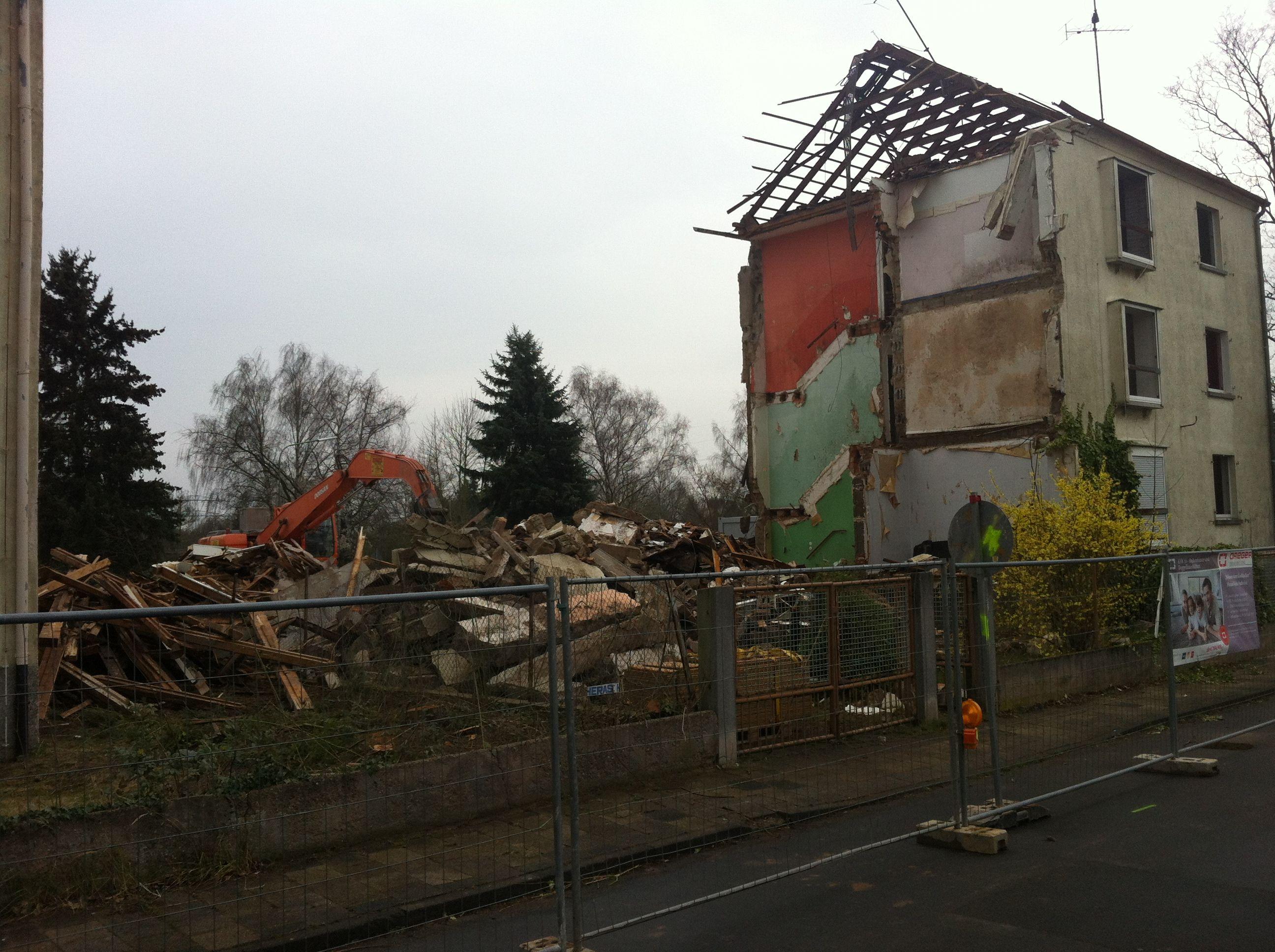 Abrissgebäude 30.02.2014 Gebäude, Einfamilienhaus