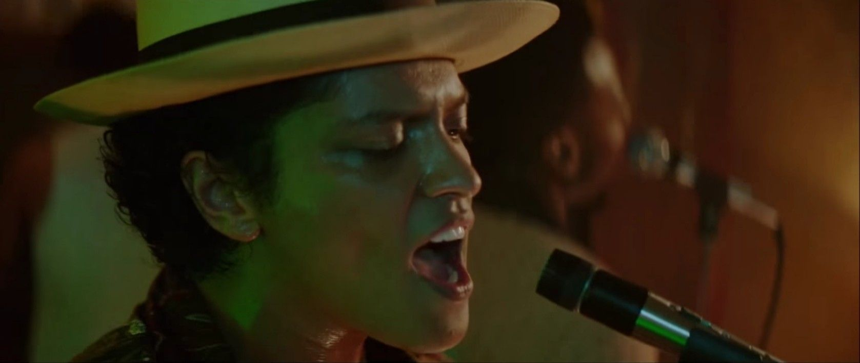 Pin By Gillian Vickers On Bruno Mars Videos
