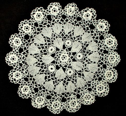 Vintage 1920s Irish Crochet Lace Table Doily Round Mat Lace Table