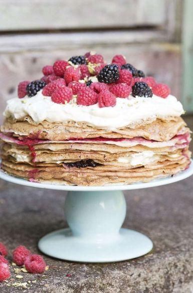 Gyümölcsös palacsinta torta
