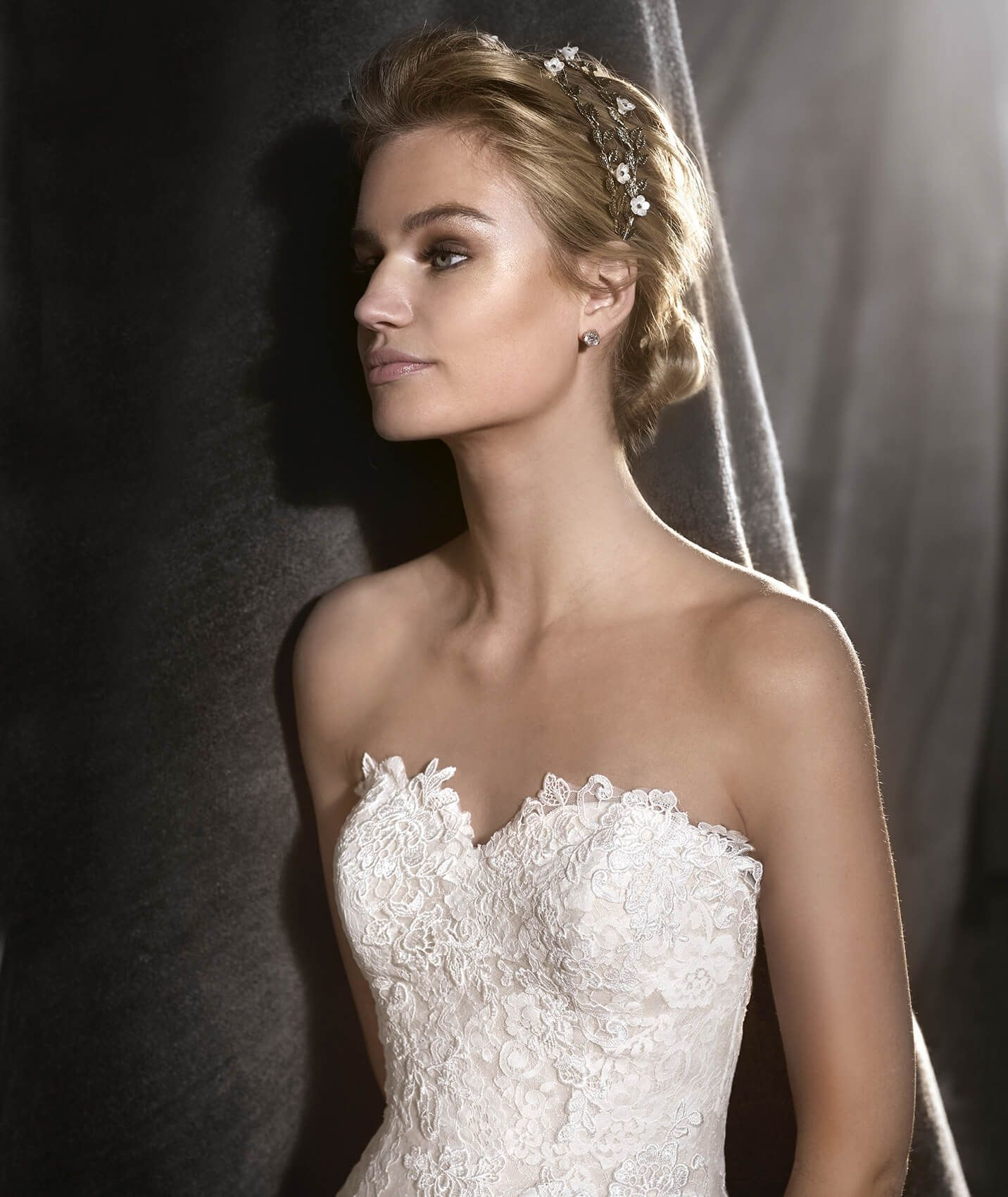 Oringo Is A Mermaid Wedding Dress In Combination Of Different Fabrics To Create Romantic Bridal Look