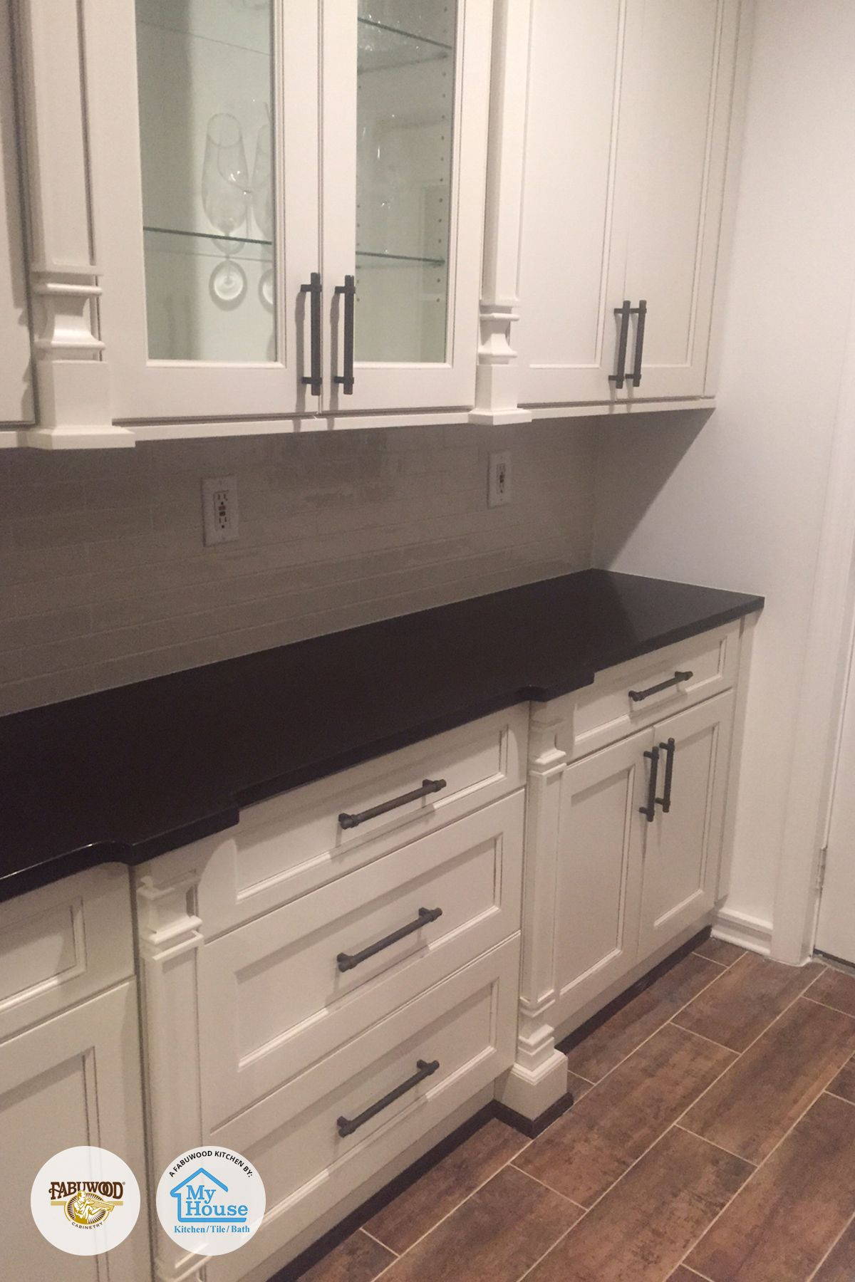 Clean Lines And Just A Hint Of The Unexpected In The Crown Moulding This Fusion Kitchen In Blanc Is Simplicity At I Home Kitchens Fabuwood Cabinets Kitchen