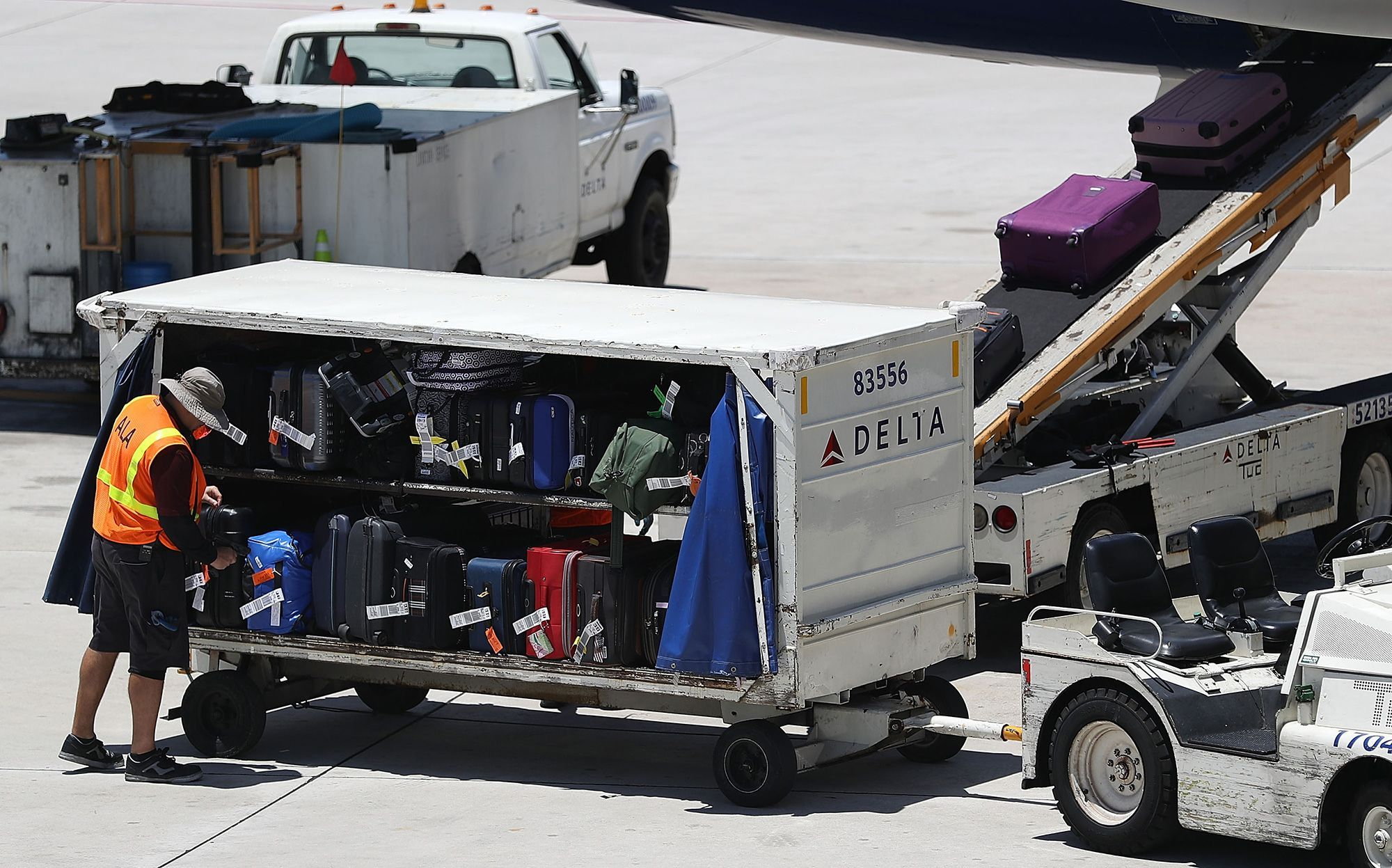Delta Airlines Baggage Allowance Delta airlines, Airline
