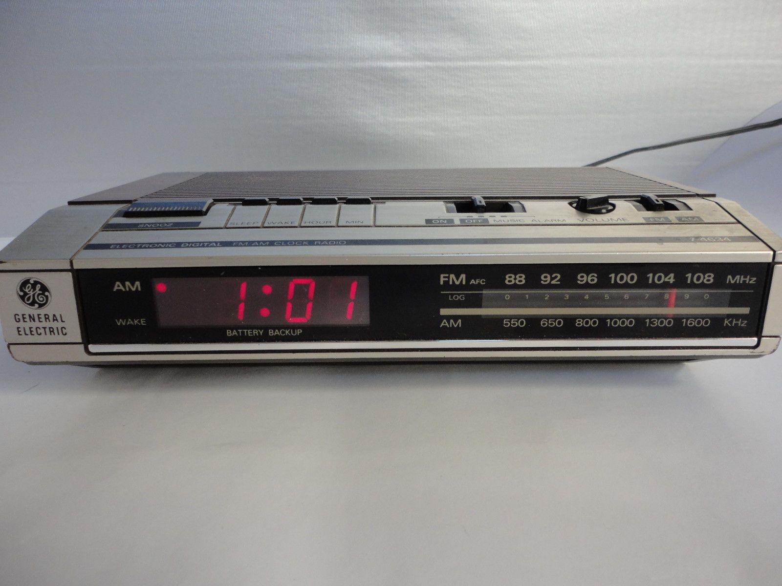 Vintage GE General Electric Digital Alarm Clock Radio