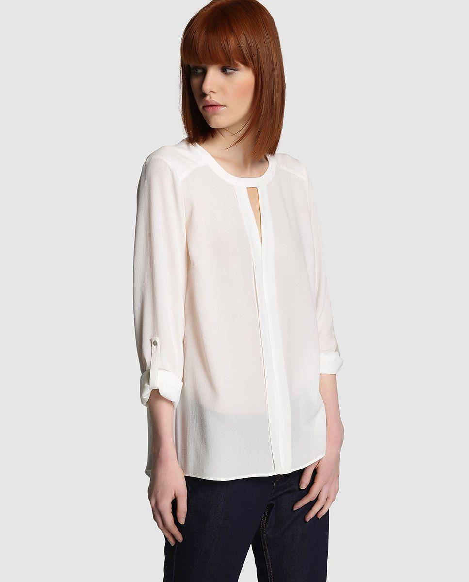 60628752da2 Blusa de mujer Fórmula Joven blanca con jaretas Más