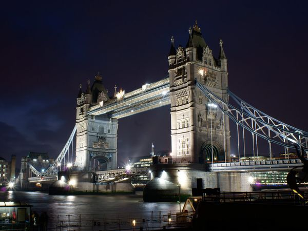 Tower Bridge. London.