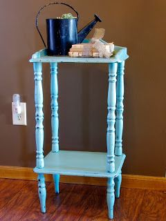 Vintage Turquoise Chalkpainted Table http://www.restorationredoux.com/?p=17