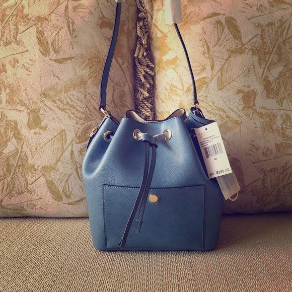 "Michael Kors greenwich medium leather bucket bag beautiful light blue color, 29*24*14cm, strap 52cm and handle 25cm NWT and 100% authentic.‼️ No trade. No ""lowest?""‼️ Michael Kors Bags Shoulder Bags"