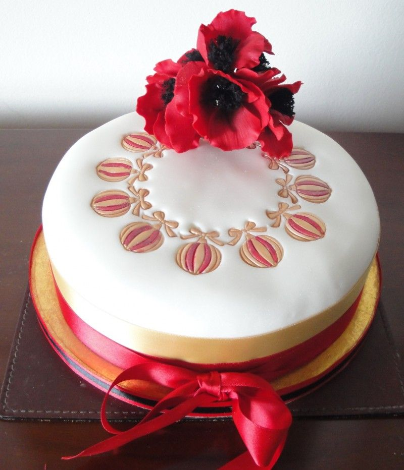 Buy or order Christmas cakes online and have Christmas cakes