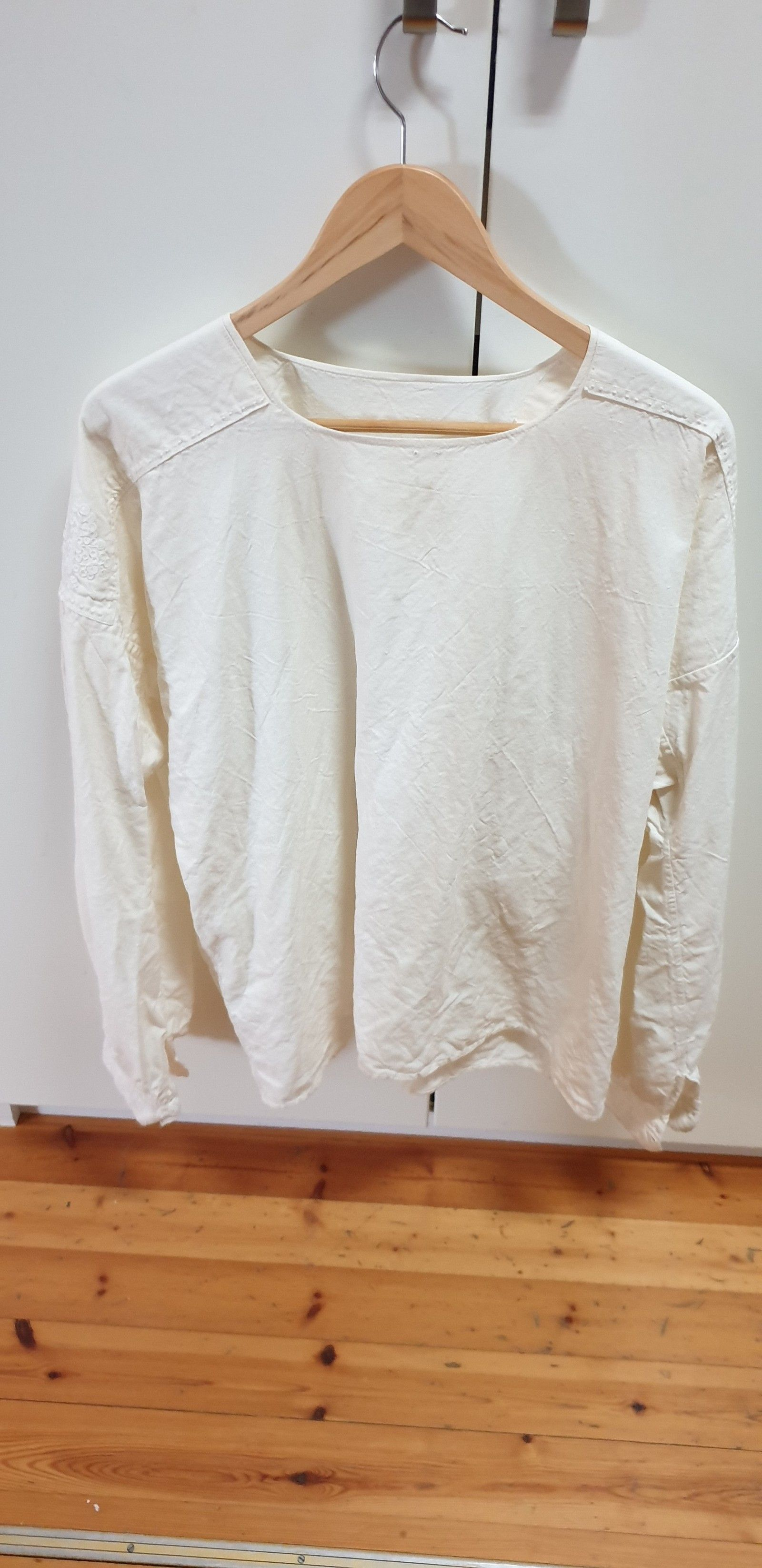 2) Bunadskjorte i lin, Aaseth skjorta til østerdalsbunad
