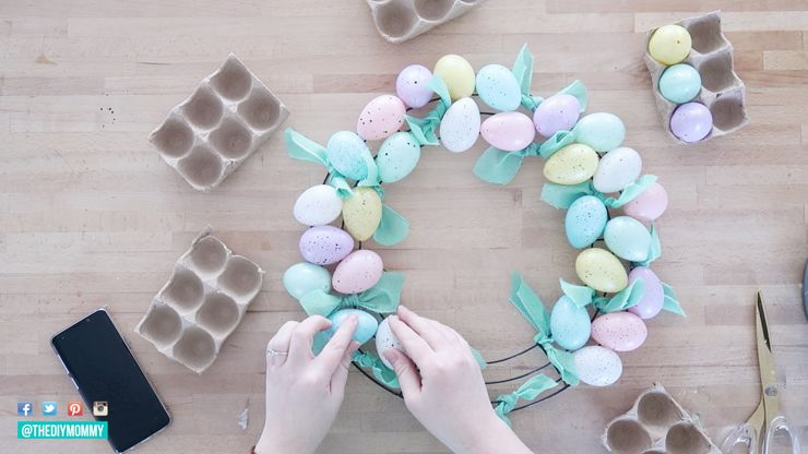 Photo of Make a Dollar Store Easter Egg Wreath (So Cute & Easy!) | The DIY Mommy