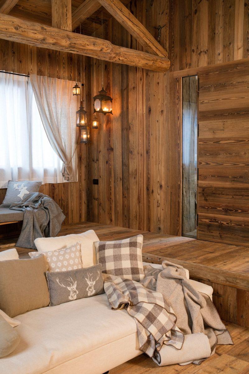 Rivestimenti interni in legno antico falegnameria hermann for Chalet arredamento