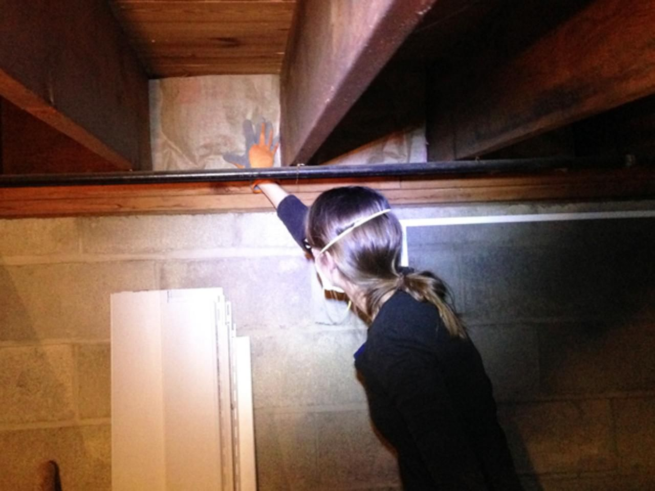 5 Easy Ways To Help Keep Your Home Warm This Winter Energy Efficient Homes Energy Efficiency Home Insulation