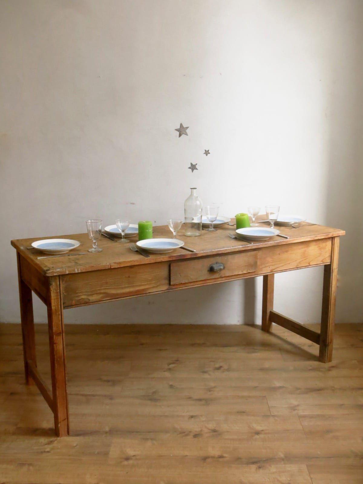 Table De Ferme, Cuisine Salle à