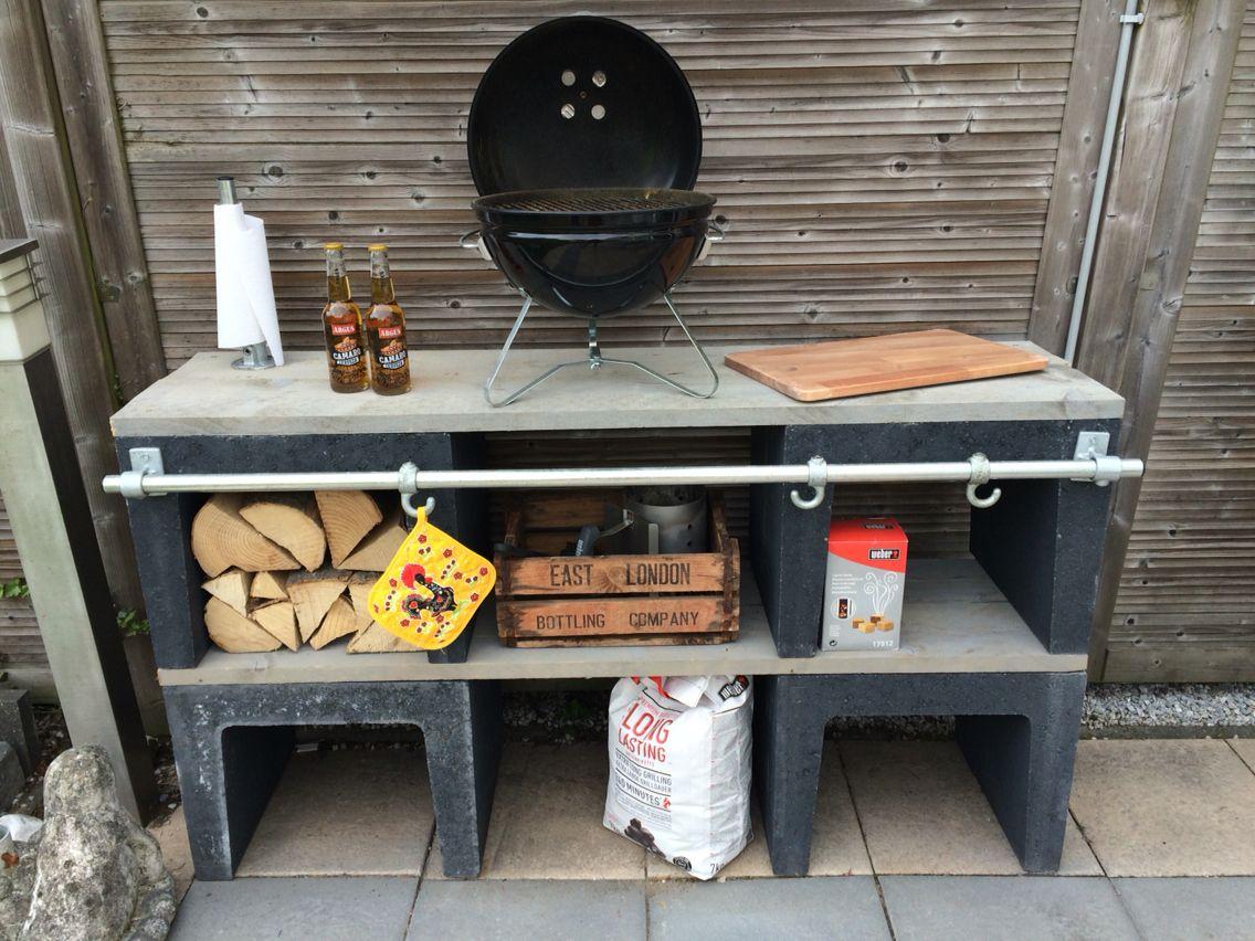 Buitenkeuken van betonnen u elementen en steigerhout  DIY déco  Pinterest