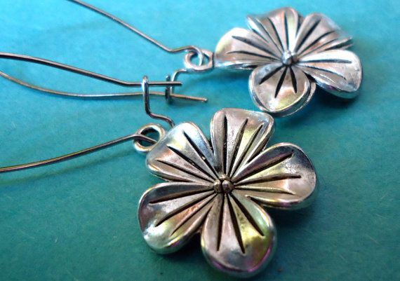 Silver Flower Earrings by 5andUnder on Etsy.