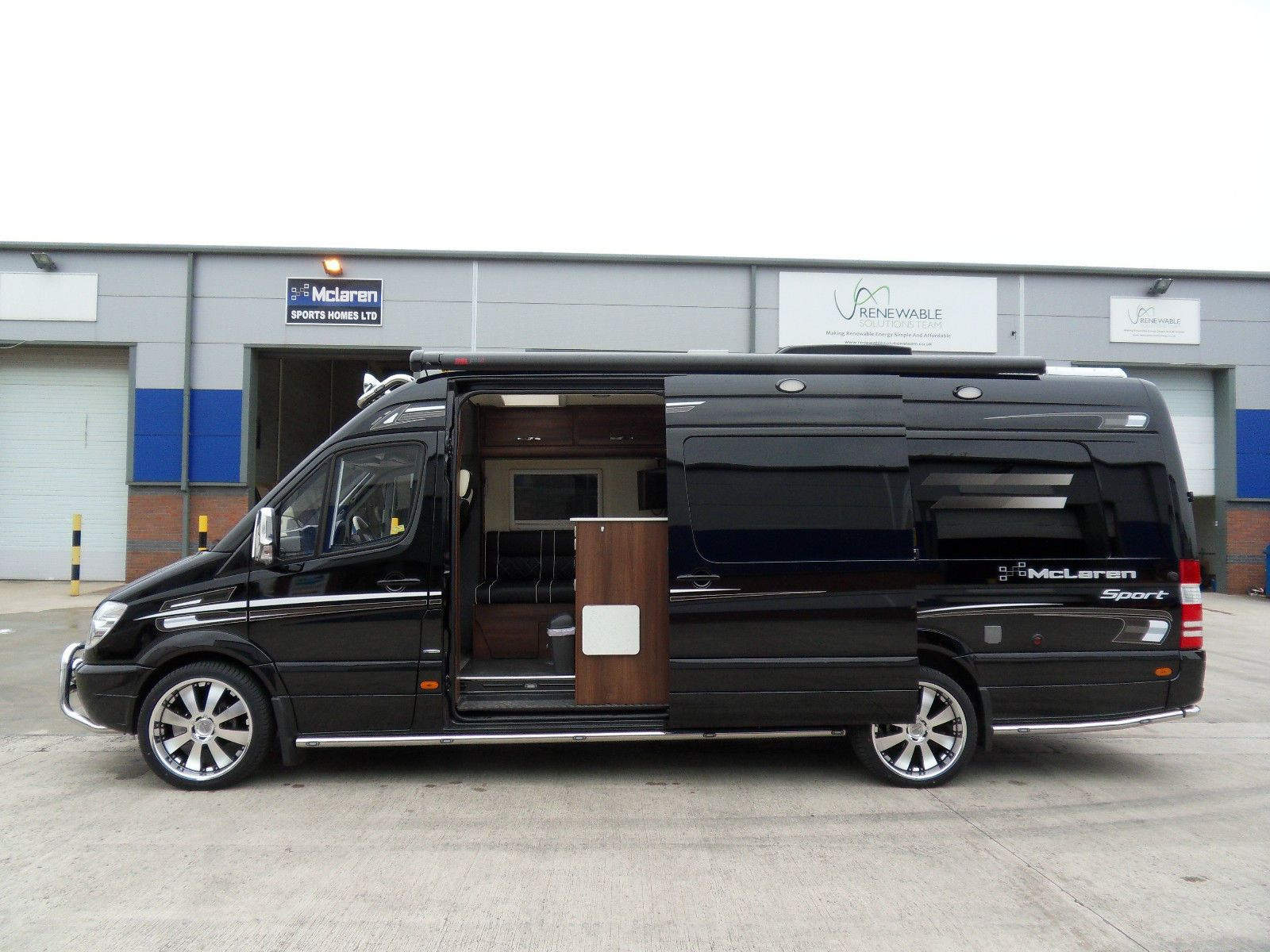 Mclaren sporthome race van mercedes sprinter vw crafter for Mercedes benz sprinter conversion