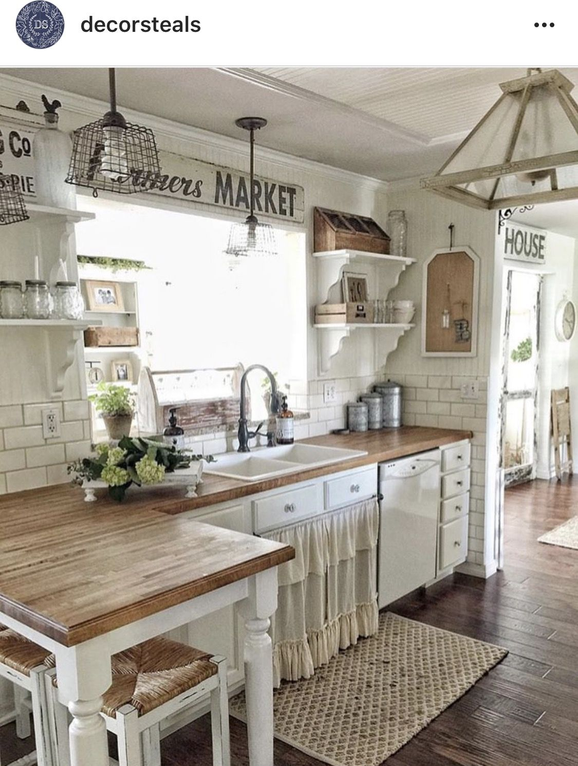 Sweet sweet farm house kitchen. | New house | Pinterest | Küche ...