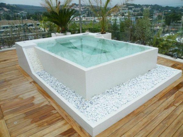 Cooler Whirlpool Jacuzzi Auswahlen Und Kaufen Vor Und Nachteile Installat Auswahlen Cooler Install In 2020 Hot Tub Backyard Jacuzzi Outdoor Apartment Rooftop