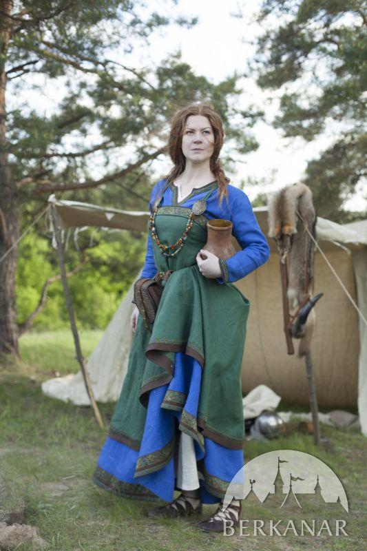 Льняной викингский костюм «Ингрид-хранительница очага»