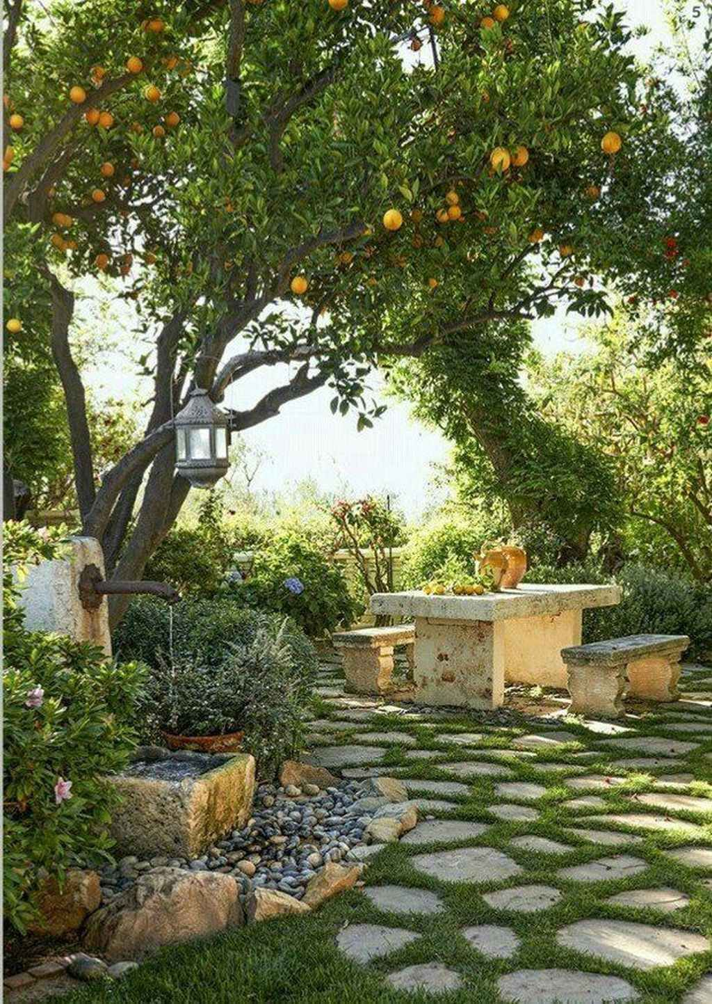 95 Small Courtyard Garden with Seating Area Design Ideas #smallcourtyardgardens