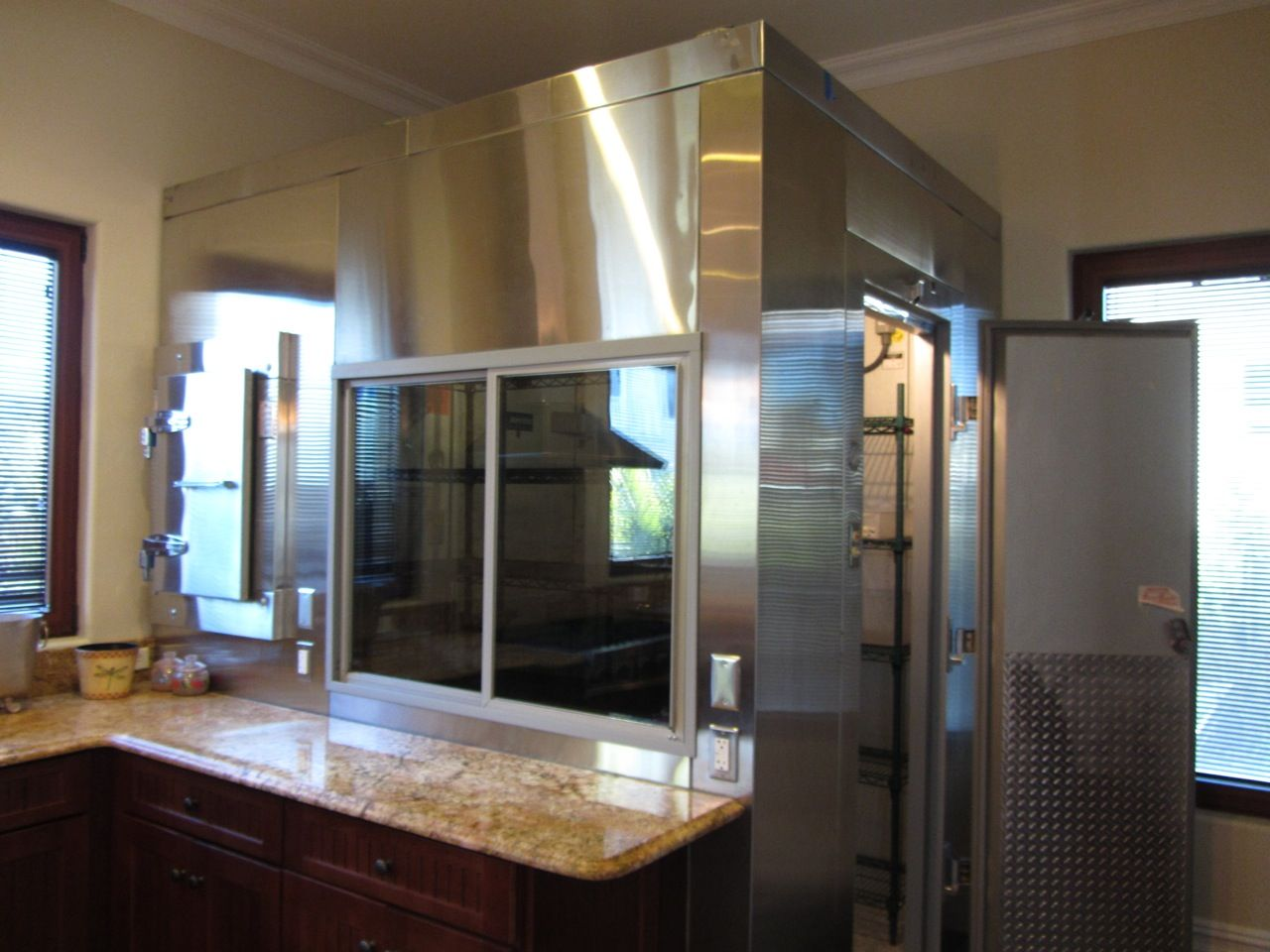 Commercial Walk In Refrigerator Freezer With External