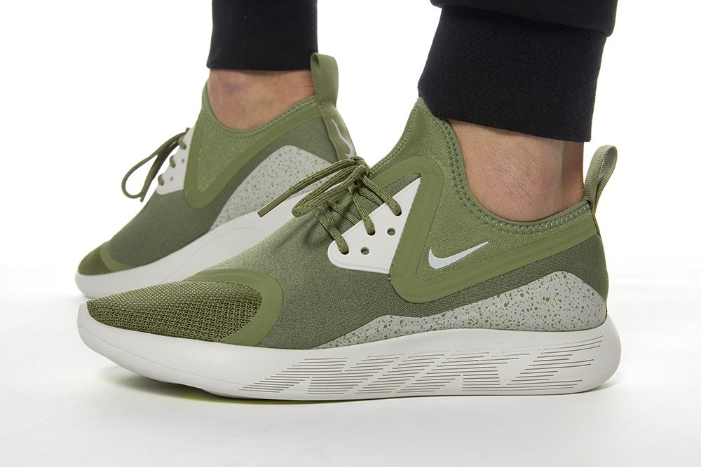 49a345722ee8 Nike LunarCharge Essential - Palm Green   Volt - Light Bone ...