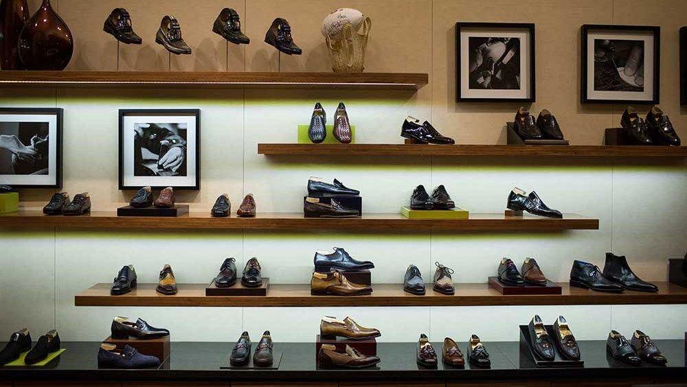 Image Result For Shoe Display Shoe Display Display Furniture
