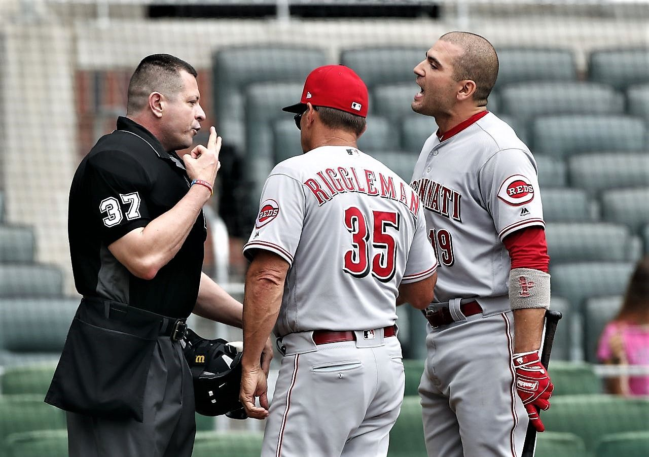 Braves Lose Again To Reds Have Dropped 5 Of Their Past 7 Braves Atlanta Braves Joey Votto