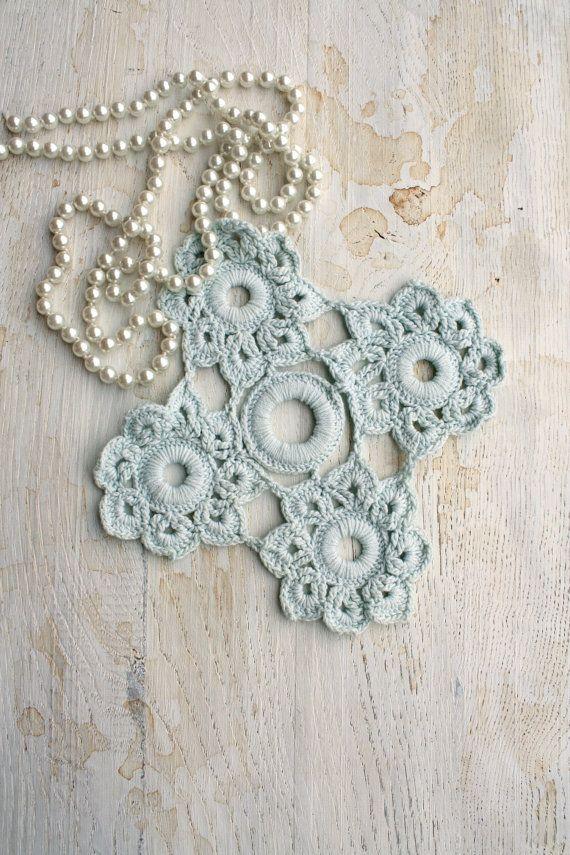 aqua doily - Italian vintage | Aqua Turquoise Teal & White | Pinterest