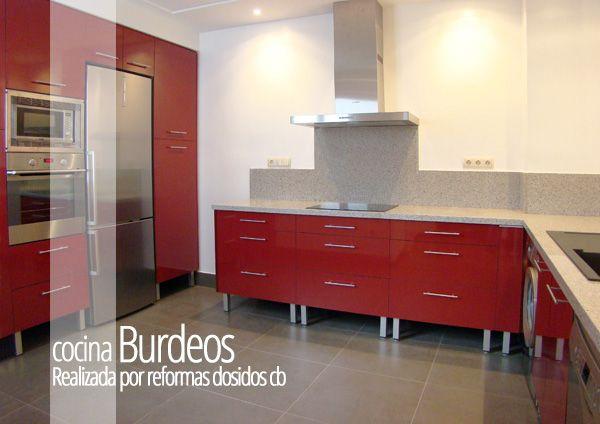 Reforma de una cocina en valencia realizada por dosidos - Cocinas color burdeos ...