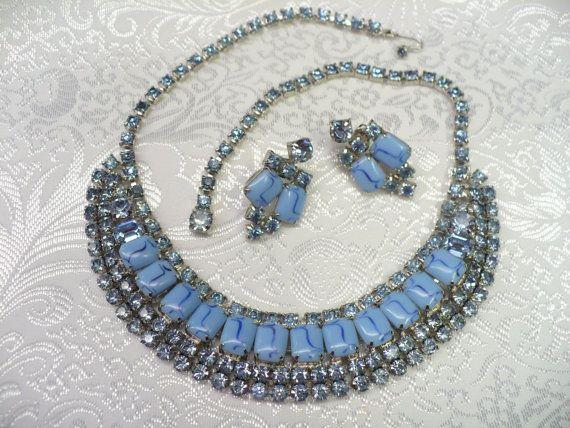 Vintage Unsigned WEISS blau Strass und blauen von ElegantiTesori, $89.99